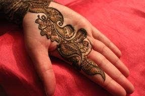 henna, hands