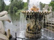 fountain statues