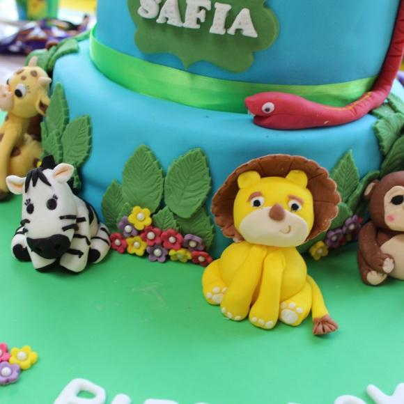 Animal cake figures
