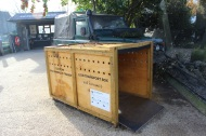 Lion transport crate