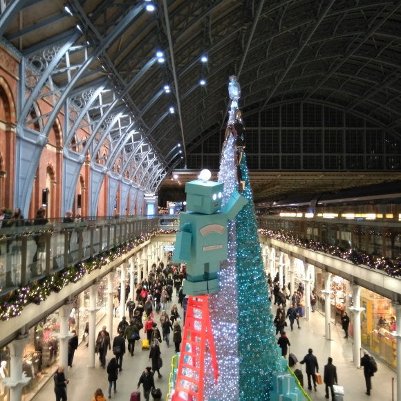 Giant Tiffany;s robot, St Pancras station